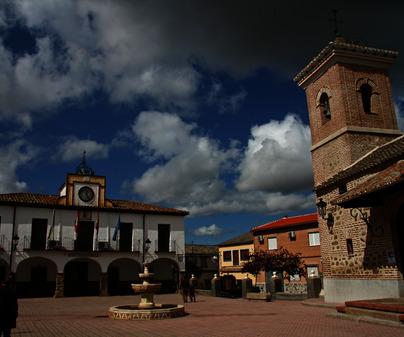 Plaza de España de Santa Ana de Pusa (Toledo)