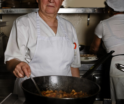 Manola Giménez Marín, chef del Restaurante Nuestro Bar (Albacete) /<b>Jorge Moreiro</b>