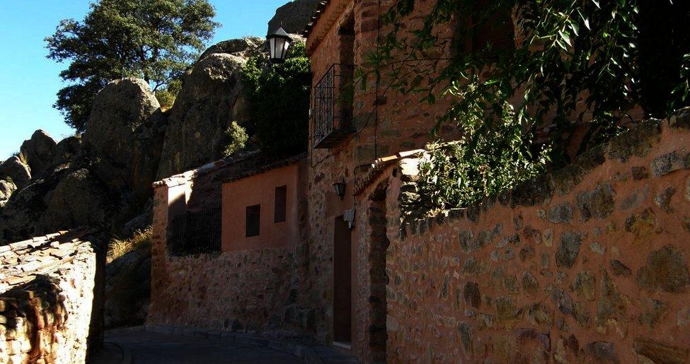Iglesia de Nuestra Señora de las Nieves en Rueda de la Sierra