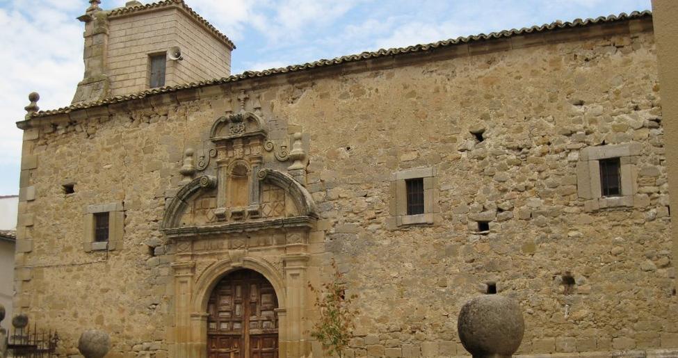 Iglesia de Nuestra Señora de la Zarza en Los Salmeroncillos