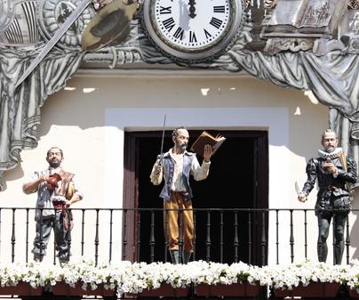 Pabellón de Ferias y Congresos de Ciudad Real - Reloj en la Plaza Mayor