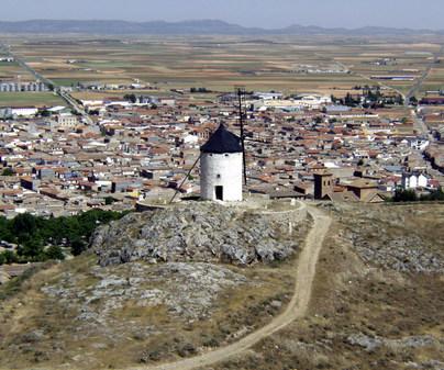 Consuegra - Vista y molino