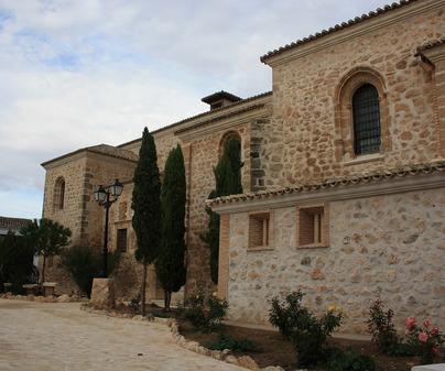 Iglesia de Lillo. Lateral