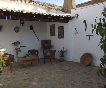 Casa Lucinio patio manchego