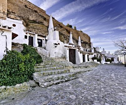 Chinchilla cuevas-vivienda