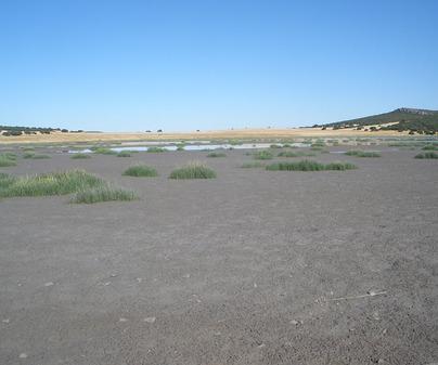 Volcán y laguna de Peñarroya