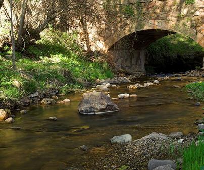 Checa. Puente sobre el río Cabrillas.