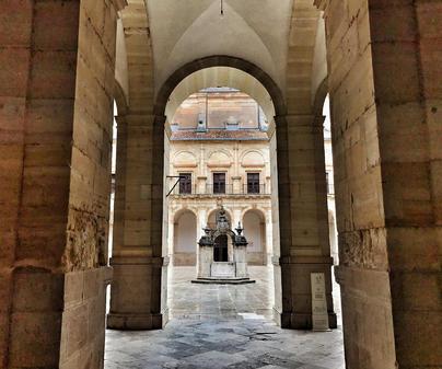 Monasterio de Uclés. Patio. Aljibe.