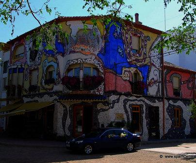 Fachada de edificio. Casas Ibáñez (Albacete)