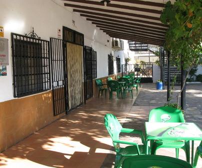Terraza del Restaurante La Granja en Fuente el Fresno Ciudad Real)