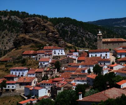 """Mirador """"El Castillo"""". Vistas de la localidad de Huélamo (Provincia de Cuenca)"""