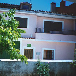Casa Rural Clares, en Ribagorda (Sotorribas, Cuenca)