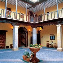 Casa Rural Palacio Conde de Garcinarro, en Huete (Cuenca)