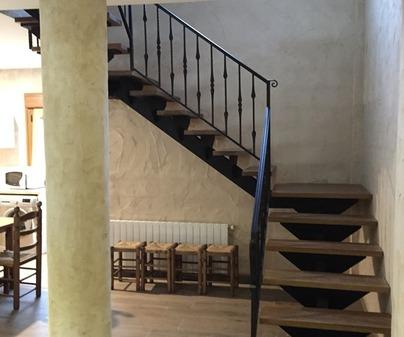 Casa rural de Mira escalera