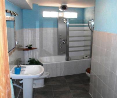 Baño Casa Rural Valle del Cabriel en Enguidanos