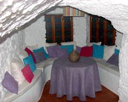 Alojamiento Rural Singular Cueva Suite La Buena Vida, en Casas de Juan Núñez (Albacete)