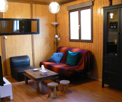 La Canadiense Log Cabin salón
