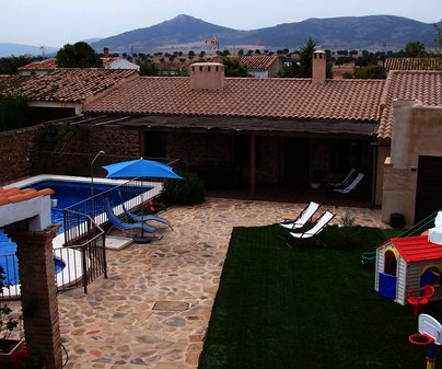 Casa Rural Abuela María, en Santa Quiteria (Alcoba, Ciudad Real). Patio