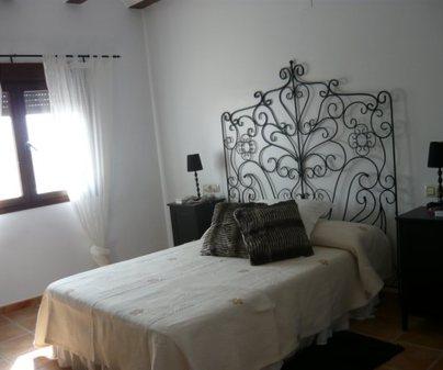 Habitacion Blanca de la Casa Rural - La Marquesa del Candalar