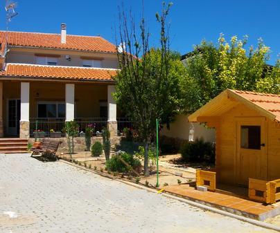 Entrada principal de la Casa Rural Ruralolalla en Villar de Olalla (Cuenca)