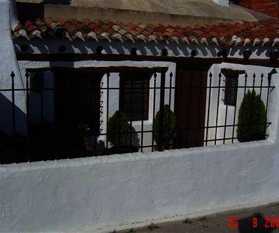 Fachada de Casa Rural Cueva de María Juana en Chinchilla de Montearagón (Albacete)