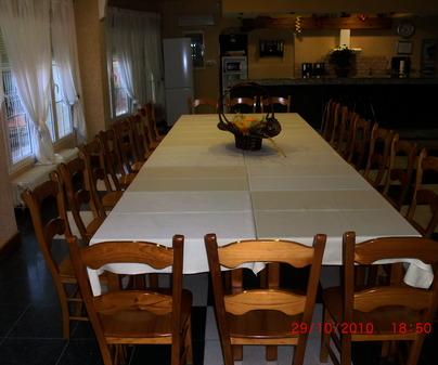 Gran mesa comedor de Casa Rural Gran Casona Rural de los Fer, en Valverde de Júcar (Cuenca)