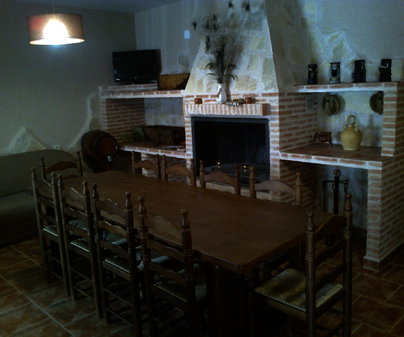 Salón en Casa Rural Los Ojos del Molino de Carrascosa de Haro (Cuenca)