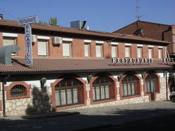 Hostal-Restaurante El Castillo, en Jadraque (Guadalajara)