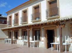 Hostal Rural El Bodegón, en La Alberca de Záncara (Cuenca)