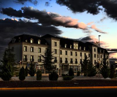 Hotel Santa Isabel, en Albacete. Exterior