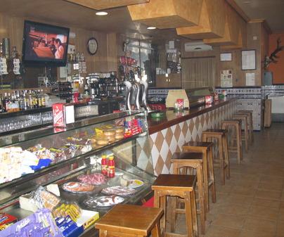 Barra del Restaurante La Granja en Fuente el Fresno Ciudad Real)
