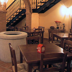 Mesón-Restaurante Abuelo Juan, en Saceruela (Ciudad Real)