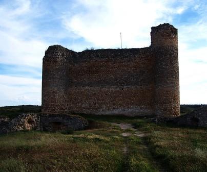 Panorámica del Castillo de Haro en Fuentelespino de Haro (Cuenca)