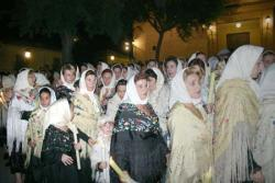 Bargueñas con trajes típicos en la procesión del Cristo de la Sala